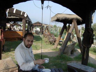 Sapancada çay içerken